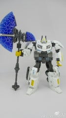 I'TF03 WFC Optimus Prime V Leader Class White Color Version